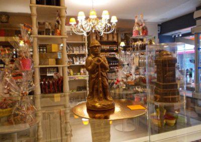 Poilu de Verdun en chocolat dans la boutique Terra Chocolata de Verdun 55100 - Réalisé avec un moule thermoformé