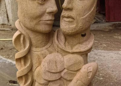 Sculpture en pierre jaune de Lorraine réalisée pour un mariage